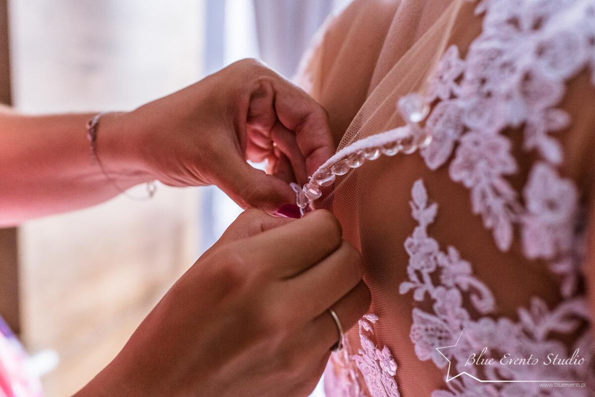 przygotowania Pani Młodej do ślubu w Stalowej Woli