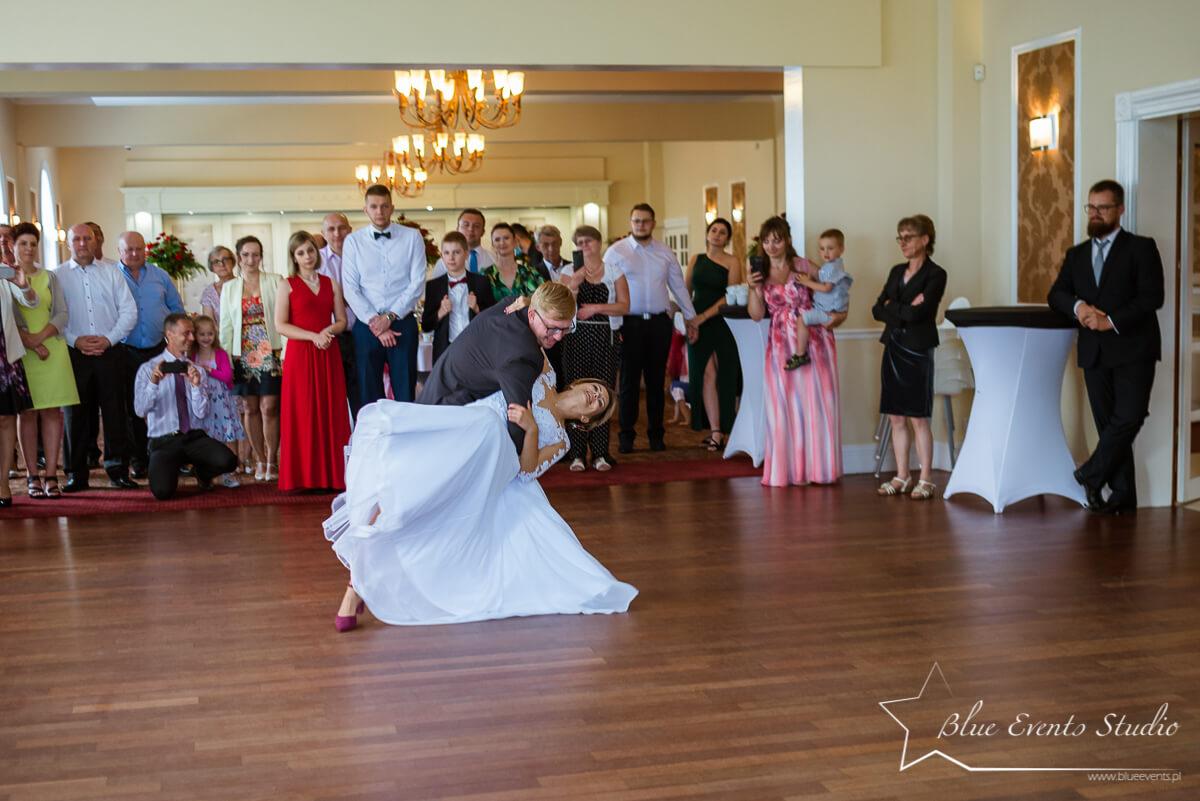 pierwszy taniec w oku fotografa ślubnego Stalowa Wola
